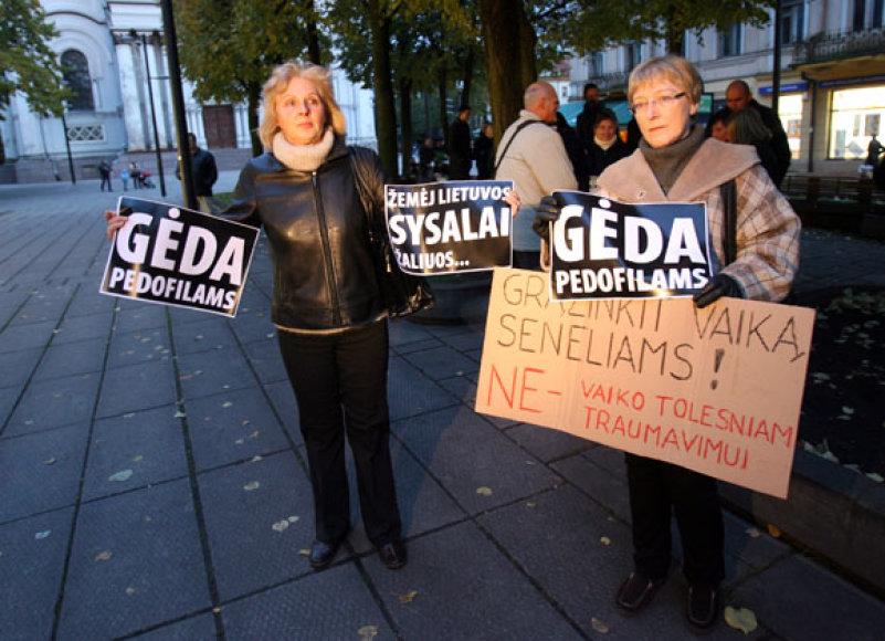 Drąsiaus Kedžio palaikymo akcija prie Kauno apygardos prokuratūros pastato