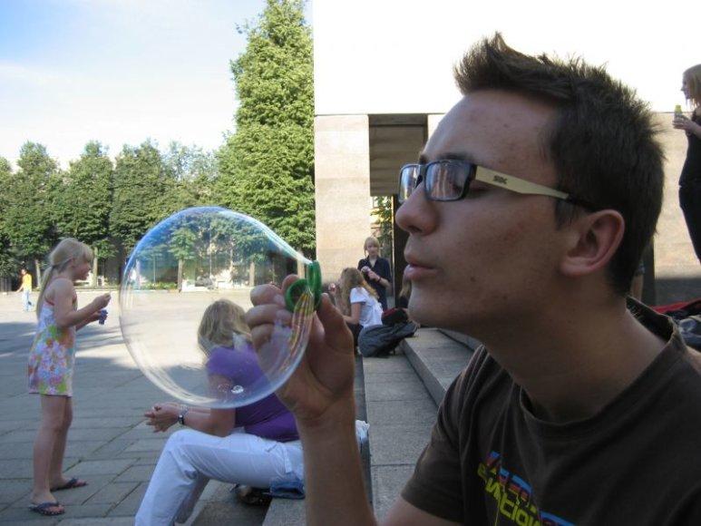 Naują muilo burbulų pūtimo sezoną kauniečiai pradės kartu su trylika kitų šalies miestų.