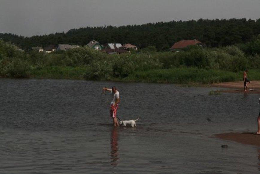 Maudynės kai kuriose Kauno rajono vietose šiuo metu pavojingos sveikatai.