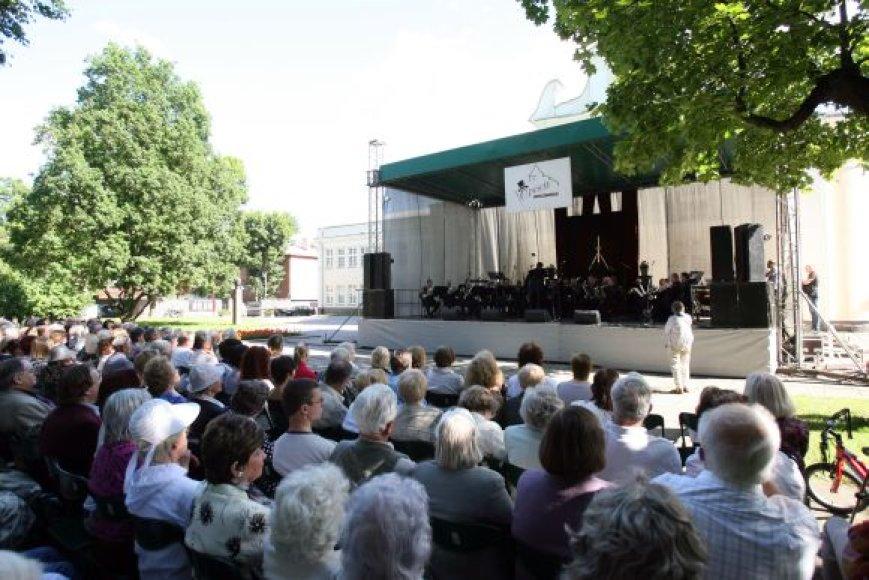 Pirmasis festivalio koncertas vyko Muzikinio teatro seodelyje