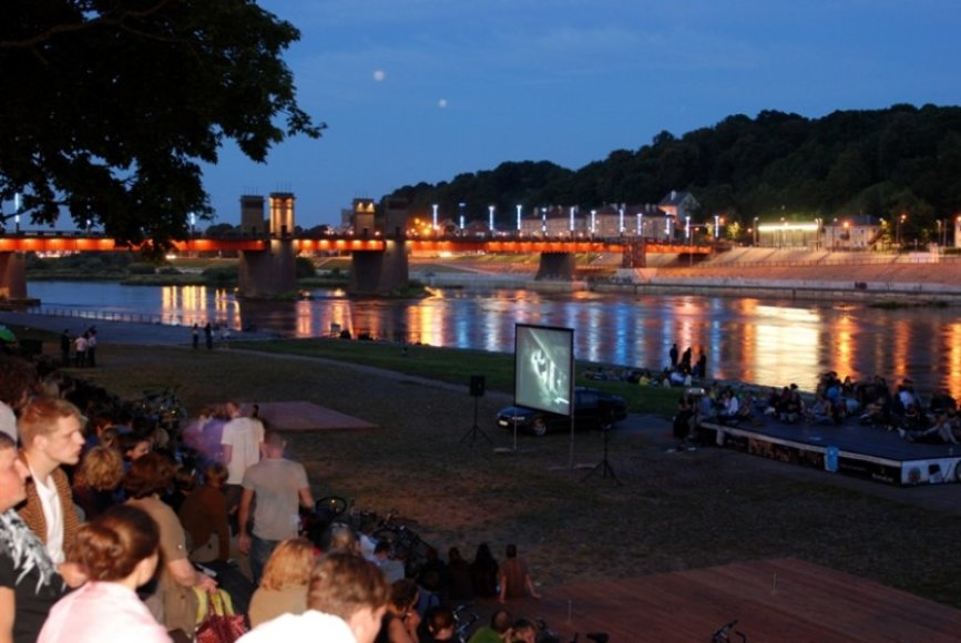 Nemokami kino vakarais Vasaros amfiteatre pasibaigs rugsėjo pradžioje.
