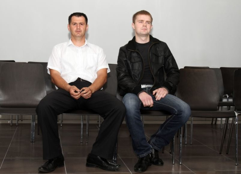 Kleboniškio miško parke besimylinčias poreles reketavę policijos pareigūnai sulaukė Temidės verdikto.