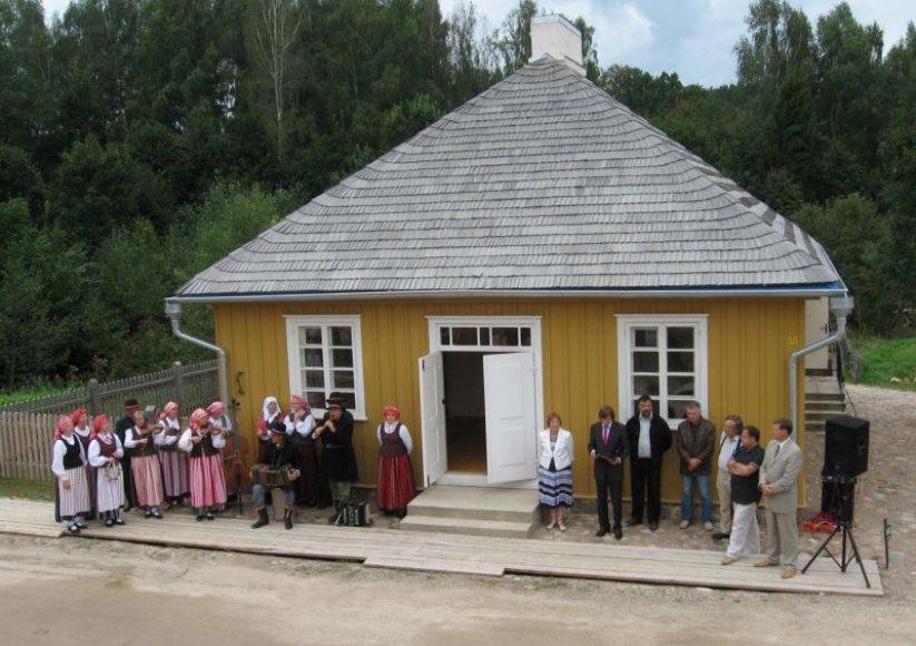 Muziejaus miestelyje atidarytas naujas pastatas - tipiškas Plungės miestelėnų namas.