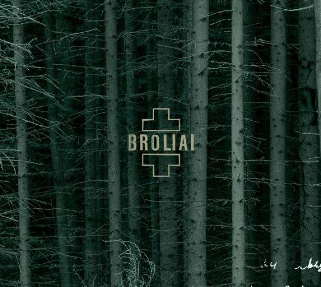"""Naujajame """"Skylės"""" albume """"Broliai"""" skamba dainos, skirtos kovojusiems už Lietuvos laisvę tarp 1944-ųjų ir 1953-ųjų."""