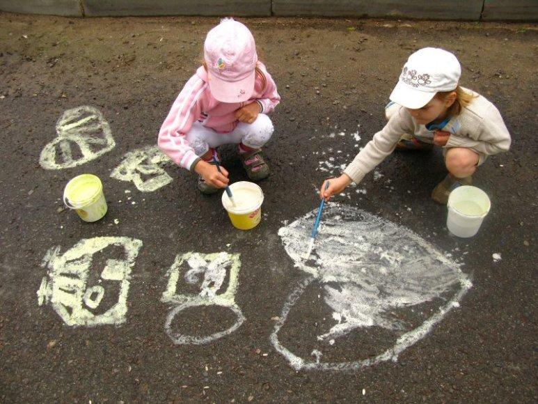Vaikų piešinių ant grindinio šventė Vilkijoje rengiama trečią kartą.