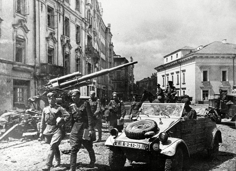 Archyvinės nuotr./Didžioji g. 1944 m., Vilnius užimtas sovietų