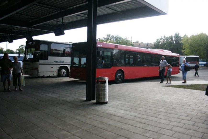 Iš naujosios Klaipėdos autobusų stoties jau vežami keleiviai.