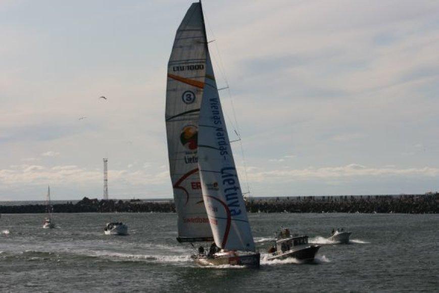 """Pasaulį apiplaukusios jachtos """"Ambersail""""  finišo uostu tapo Klaipėda."""