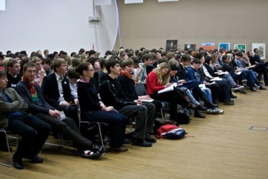 Klaipėdos moksleiviai iš pirmų lūpų išgirs apie finansus ir lyderystę.