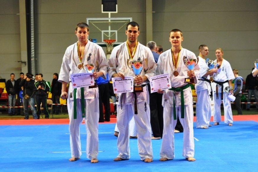 Nerijus Kaubrys, Lukas Kubilius bei Andrius Viktoravičius birželį atstovaus Lietuvai.