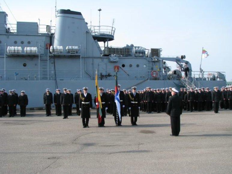 Karinės jūrų pajėgos penktadienį minės atkūrimo dieną.