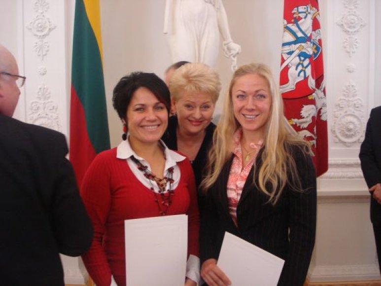 Prezidentės įvertinimo susilaukė ir klaipėdietės Diana Mačiūtė ir Jurgita Činauskaitė-Četiner.