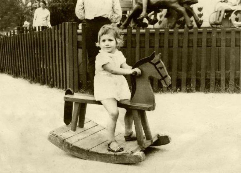 Senajame poilsio parke Sovietmečiu virė gyvenimas.