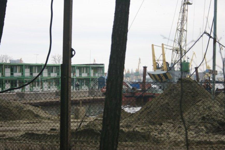 Smiltynės jachtų uoste verda darbai – vasarą norima priimti pirmuosius svečius.