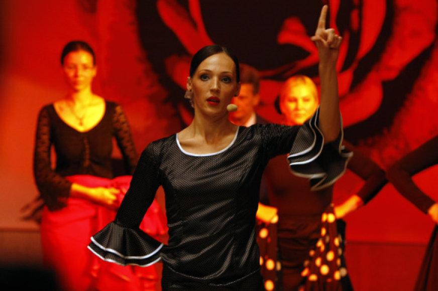 Klaipėdos muzikinio teatro baleto šokėjai sekmadienį kviečia pasižiūrėti aistringų flamenko šokių.