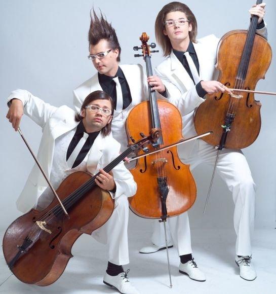 """""""Melo-M"""" - šiuolaikinė trijų violončelininkų grupė, išgarsėjusi išdykėlišku įvaizdžiu."""