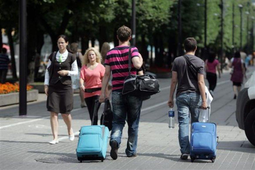Valdininkai pripažįsta, jog šiuo metu Kaune daug kur trūksta informacijos apie turistinius objektus ne tik anglų, bet ir lietuvių kalba. Žadama, jog vėliausiai kitąmet vietiniams ir užsienio turistams naudingų nuorodų mieste atsiras.