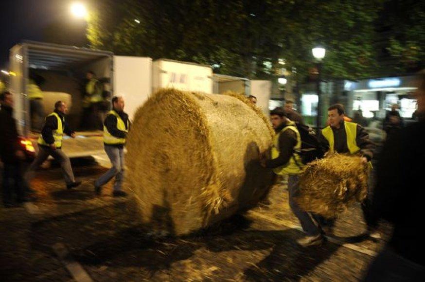 Protestuotojai blokavo eismą