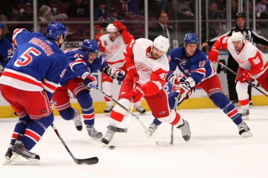 "Niujorko ""Rangers""nusileido ""Red Wings"" ekipai"