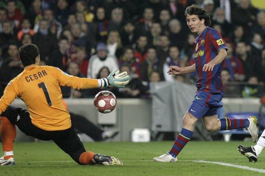 """""""Barcelonos"""" pergalė"""