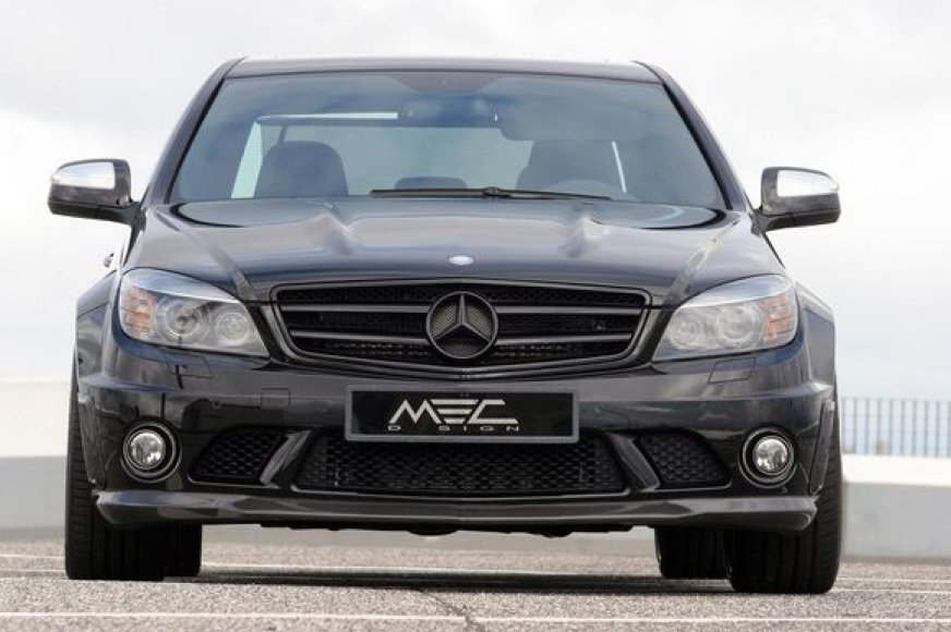 """Mercedes C63 AMG"""