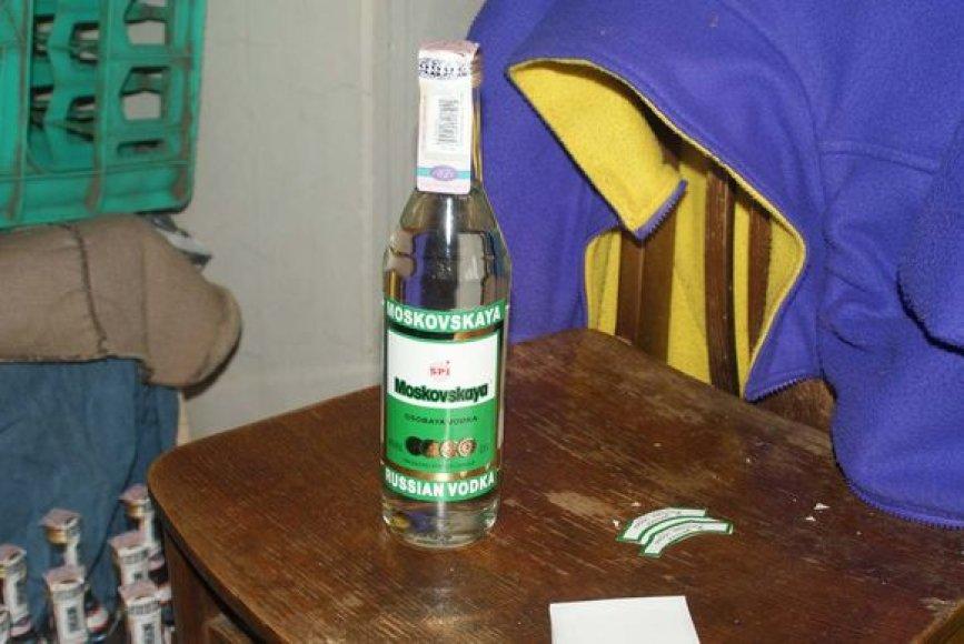 Nelegalaus alkoholio sandėlis