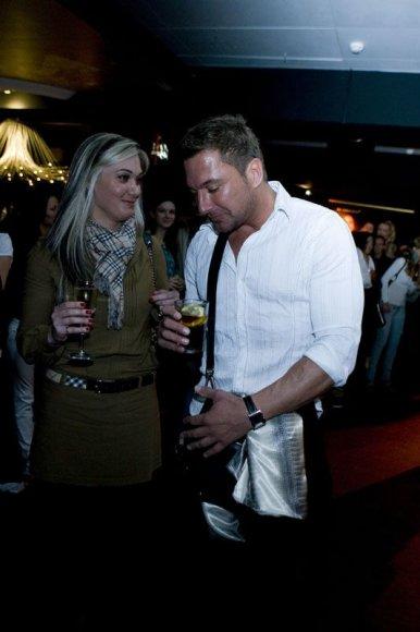 Foto naujienai: Marius Gelažnikas ramentus išmainė į taurelę?