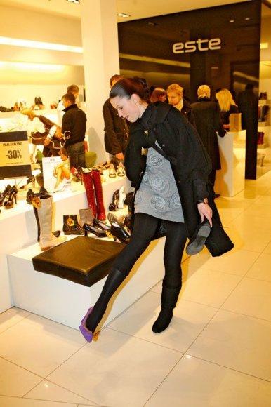 Foto naujienai: Akcija: naktinis parduotuvių šturmas