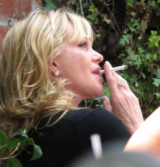 Jos rūko!