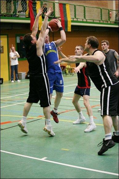 """""""NeLKL"""" krepšinio turnyras Liuksemburge."""
