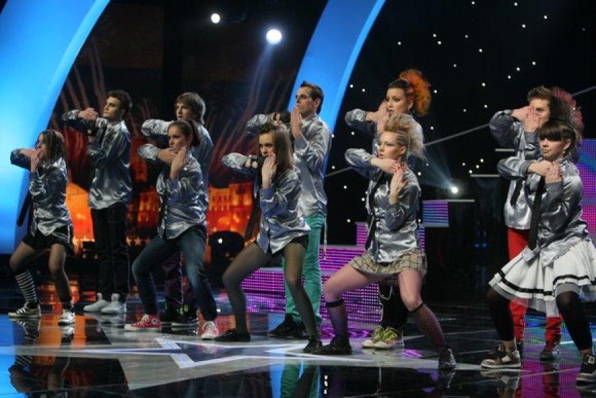"""Ketvirtasis """"Lietuvos talentų"""" pusfinalis buvo sėkmingas šiauliečių šokėjų grupei """"Extreme"""" ir daugybe instrumentų grojančiam Dovydui. Šįsyk neapsiėjo be ašarų – trečiąją vietą užėmę šokėjai """"Be good"""" sunkiai tramdė pralaimėjimo skausmą."""