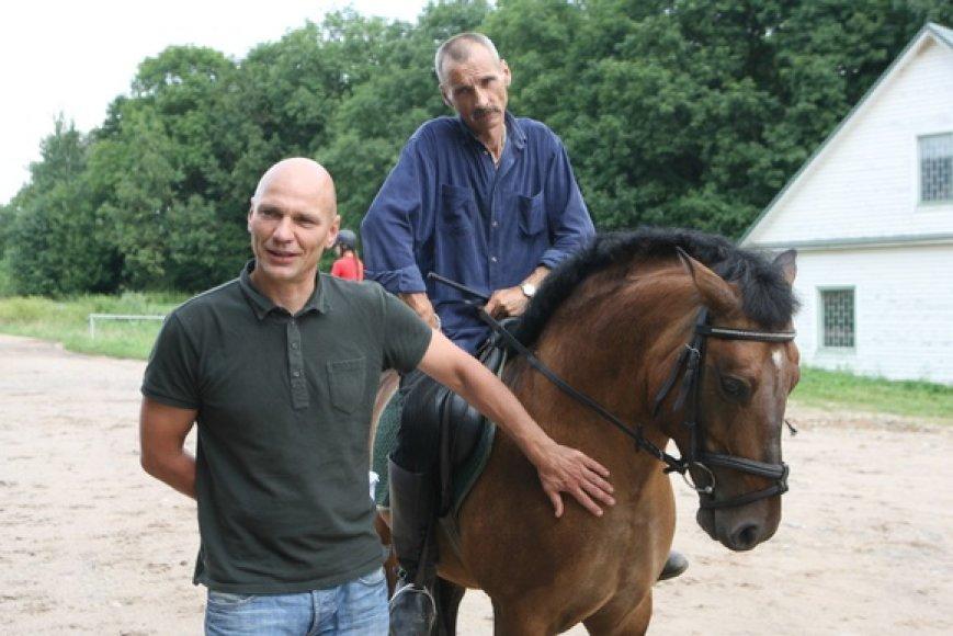 Legendinį žygį entuziastai pakartos su garsiaisiais žirgais – žemaitukais