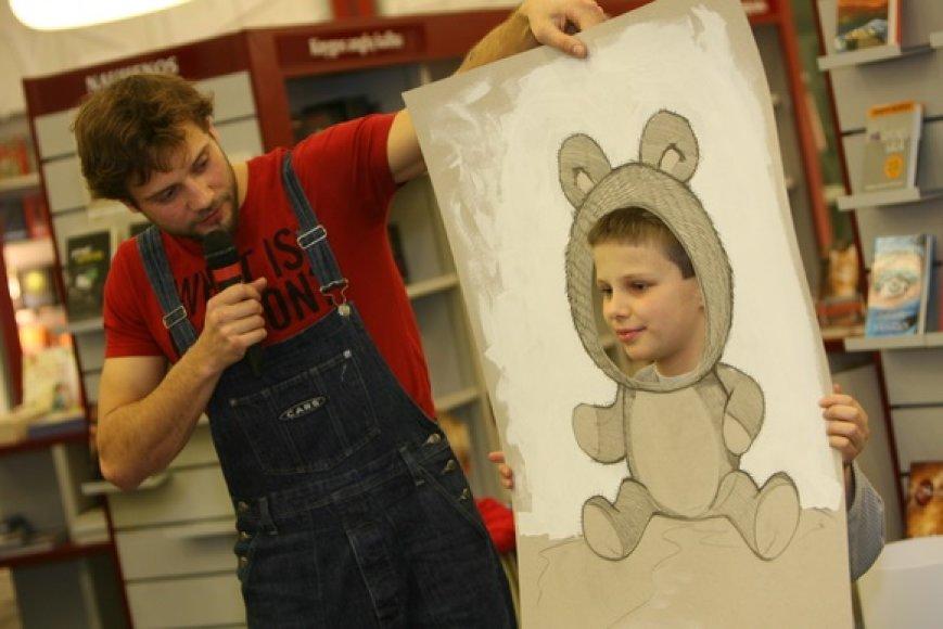 R.Valeikis mokė vaikus piešti