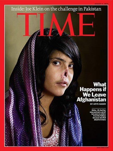 """Žuranlo """"Times"""" viršelis, ant kurio nufotografuota 18-metė afganistanietė Aisha. Merginos vyras, už tai, kad ji pabėgo iš namų, nupjovė ausis ir nosį"""