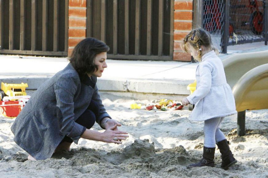 Milla Jovovich su dukra