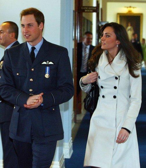 Princas Williamas su drauge Kate Middleton