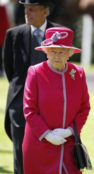 Anglijos karalienė Elizabeth II (84)