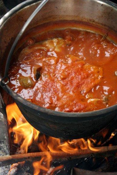 Žuvienė su pomidorais