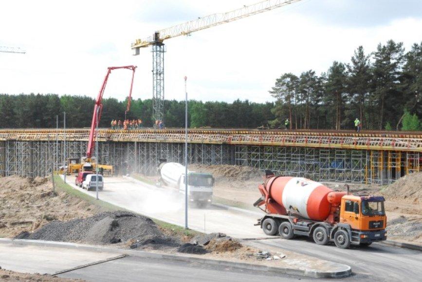 Trijų lygių estakados statybų finansavimas nestringa, kaip tai atsitiko su Lazdynų tilto remontu.