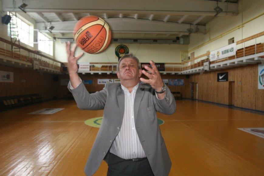 A.Naruševičius mano, kad, sujungus sporto mokyklas į vieną centrą, daugiau vaikų atsidurtų gatvėje.