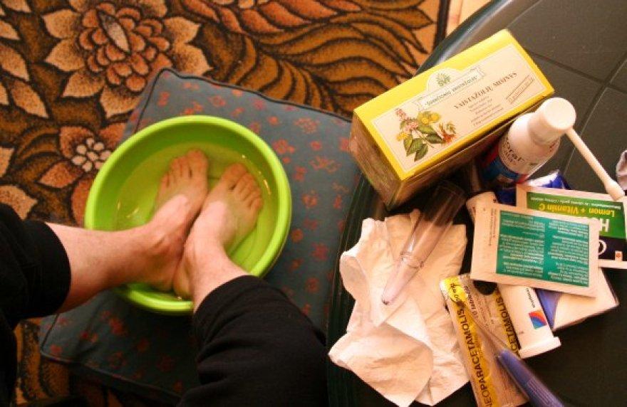 Medikai teigia, kad priemonės, kaip saugotis ligų, yra tos pačios ir veiksmingos – reikia dažnai plautis rankas, vengti kontakto su ligoniais, nesilankyti masinio susibūrimo vietose, valyti ir vėdinti patalpas.