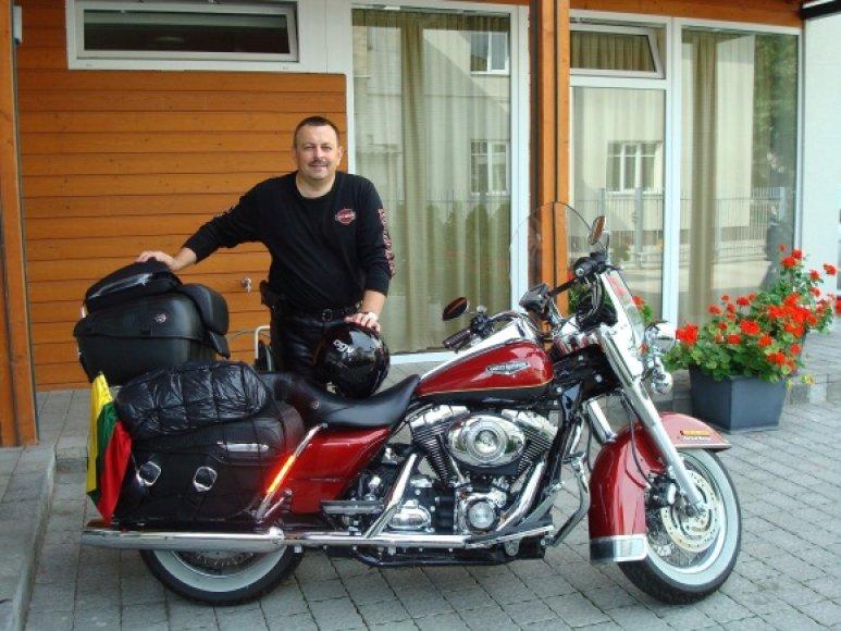 Sostinės meras V.Navickas šią vasarą motociklu keliaus per Turkiją, Siriją ir Libaną.