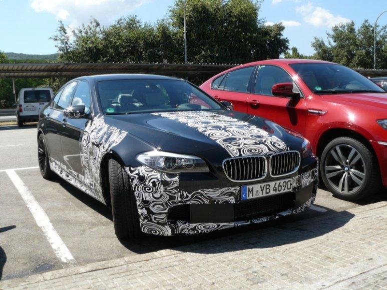 Paparacų užfiksuotas BMW M5