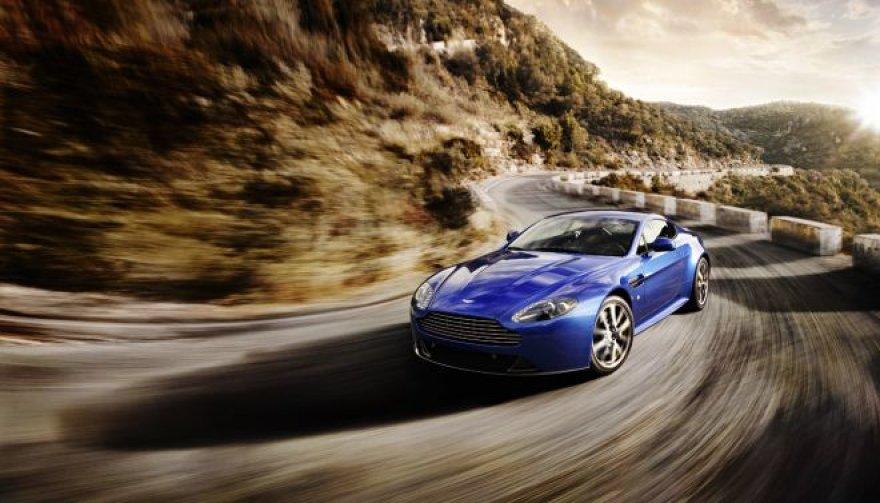 """""""Aston Martin V8 Vantage S"""""""