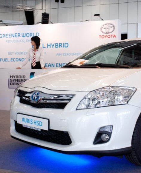 """Toyota Auris HSD"""