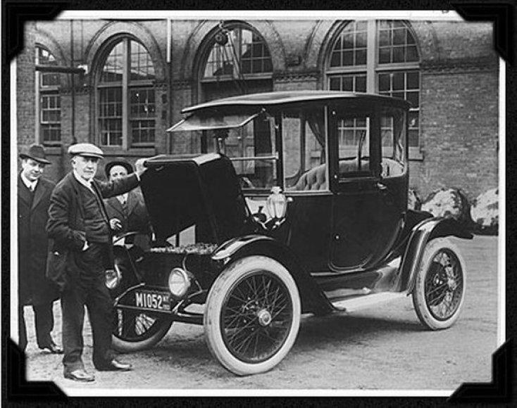 Vienas pirmųjų elektromobilių
