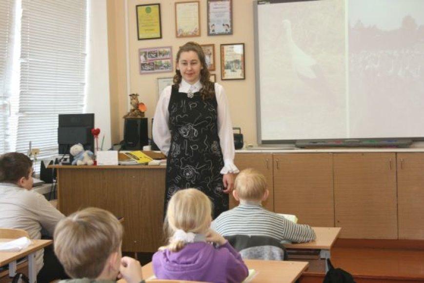 Pradinių klasių mokytoja Daiva Blagnytė teigia, jog rugsėjį mokyklos duris pravers kone mažiausiai pirmokų.