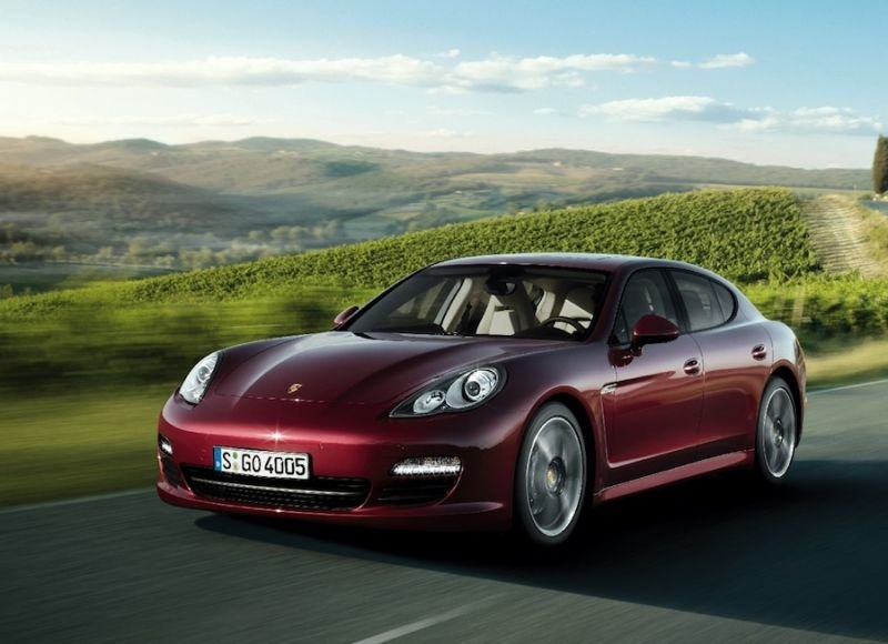 """""""Porsche Panamera"""" tapo prieinamesnė"""