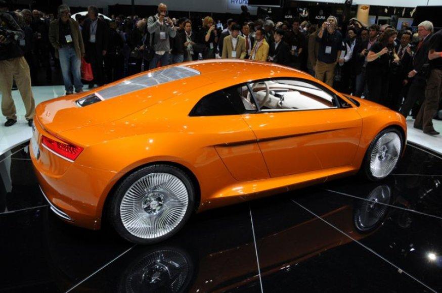 """""""Audi e-tron"""" - ne daugiau 1 000 vienetų"""