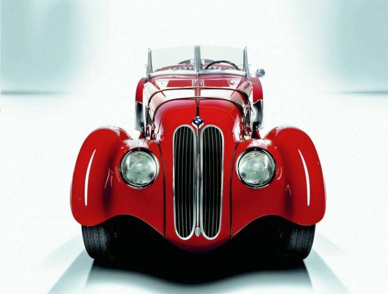 BMW kabrioletai švenčia 75 metų jubiliejų